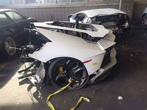 lamborghini aventador split    mechanic shop dpccars