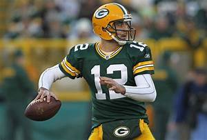 Aaron Rodgers Isn't More Clutch Than Brett Favre, but He ...