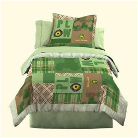 amazon com john deere bedding boys quilt and sham set