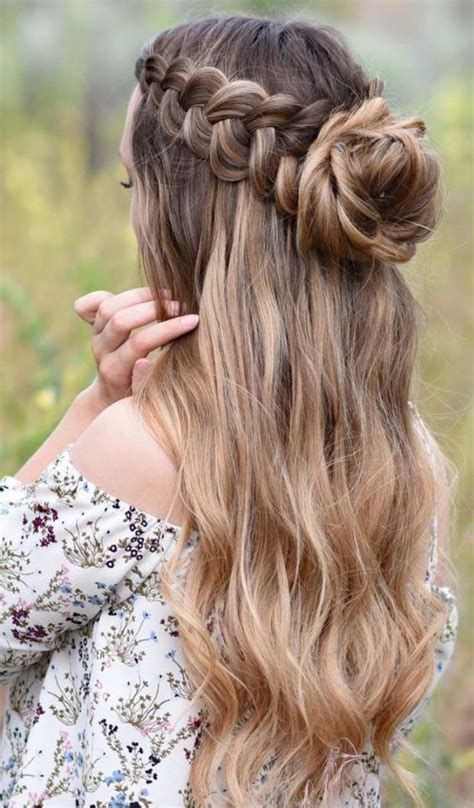 Whether it is a party or easter, whether christmas or any hangout you are supposed to go to, a nicer and tied up hairdo looks beautiful. Funny And Cute Easter Hairstyles For Women 2021: Find Them All