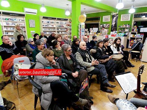 Libreria Morlacchi Perugia by Bastia Nell Incavo Dell Onda Alla Libreria Musica E
