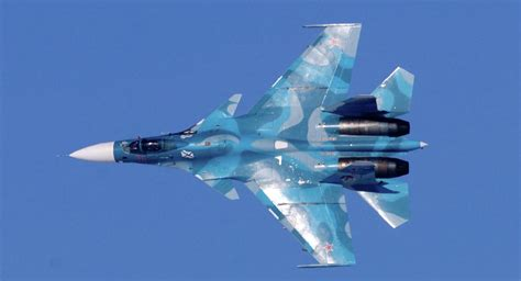 Russian Su-33 Fighter Jets Hold Drills Over Barents Sea