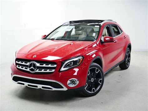 Not only does the gla250 4matic split torque front and rear, it also adds 1.2 inches more ground clearance, which mercedes' lists as 5.3 inches under max load. New 2020 Mercedes-Benz GLA GLA 250 SUV in Minnetonka #74124 | Sears Imported Autos, Inc.