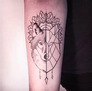 Melina Wendlandt e suas tattoos em linework, blackwork e