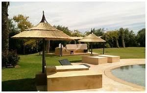 Parasol En Paille : parasol exotique en paille naturelle tiss la main piscine center net ~ Teatrodelosmanantiales.com Idées de Décoration