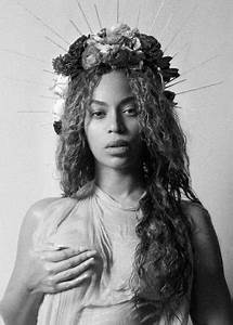 Beyonce - Maternity Photoshoot 2017