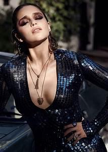 Emilia Clarke Wears Glamorous Makeup Looks for Violet Grey