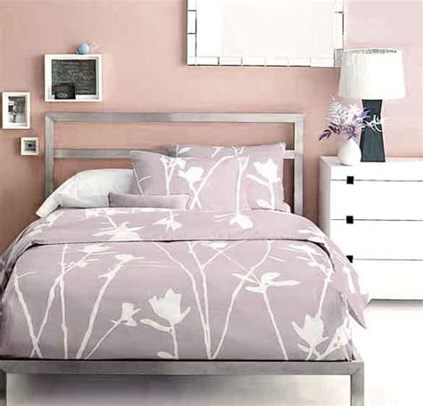 best colors for bedroom feng shui feng shui bedroom colors home amp home 20321 | Feng Shui Bedroom Colors