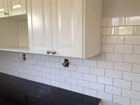 grout color  white tile tile design ideas