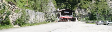Berge und Pässe der Alpen