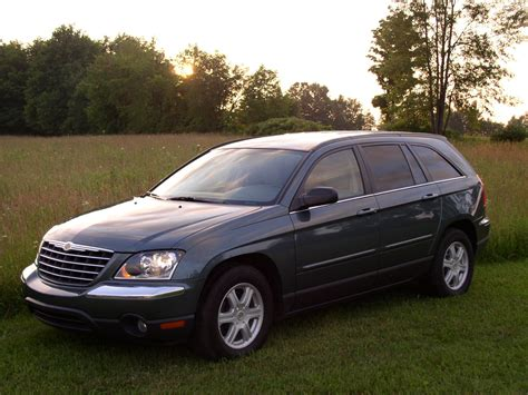 2005 Chrysler Pacifica Review by Automotive Trends 187 2005 Chrysler Pacifica
