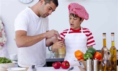 sécurité en cuisine sécurité en cuisine 5 précautions à prendre trucs
