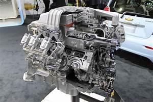 2012 L A  Auto Show  Cut Away Ls Motor
