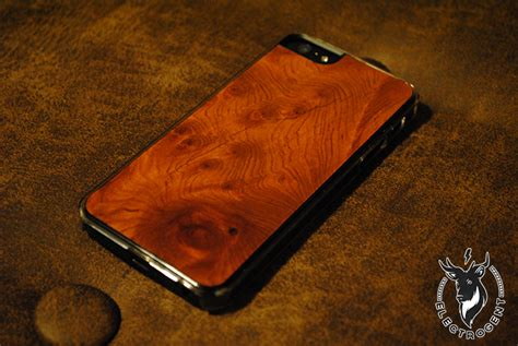 carved iphone carved redwood burl iphone electrogent