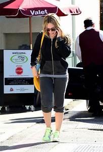 Hilary Duff Goes on an Errand Run - Zimbio