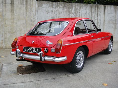 1970 mg mgb gt comes with chrome wire wheels auto