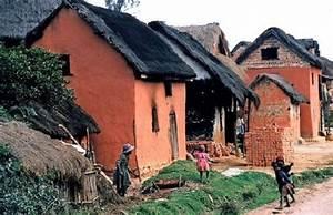 architecture malgache les maisons en terre crue With maison toit de chaume 10 petite maison malgache en bois de palissandre