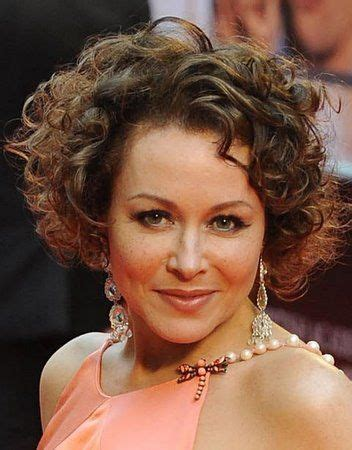 amanda mealing hairstyle curly  wavy hair pinterest