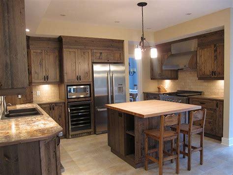 armoire de cuisine en pin rustique recherche
