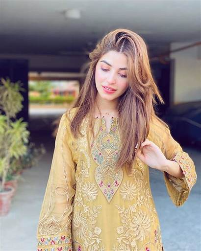 Kinza Hashmi Pakistani Latest Designer Suits Clicks