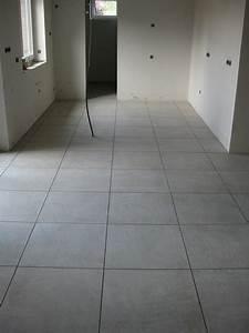 Fliesen Wohnzimmer Modern : wohnzimmergestaltung modern fliesen wohnraum flur mit ~ Michelbontemps.com Haus und Dekorationen