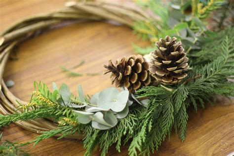 how to make a willow wreath peas and needles willow wreath making