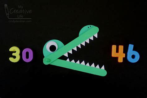 Cindy deRosier: My Creative Life: Greater-Than Less-Than Craft Stick Alligator