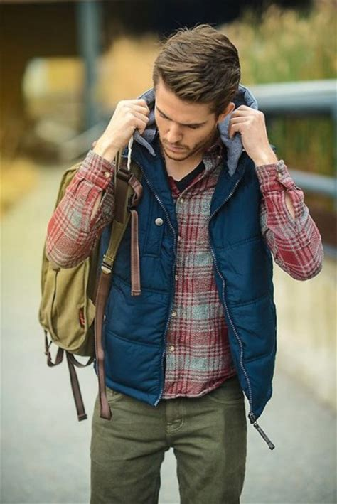 Plaid Flannel Shirts Inspiration for Men | Famous Outfits