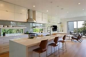 Beleuchtung Für Küchenoberschränke : k che modern gestalten glas spritzschutz und corian ~ Michelbontemps.com Haus und Dekorationen