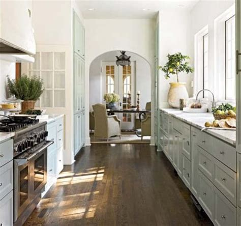 images of galley style kitchens galley kitchen cabinets afreakatheart 7487