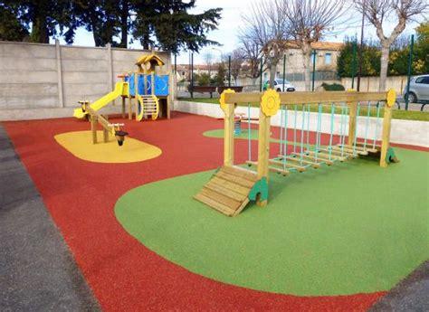 sol pour aire de jeux exterieur aires de jeux enfant exterieur aire de jeux pour enfant aire de jeux collectivites