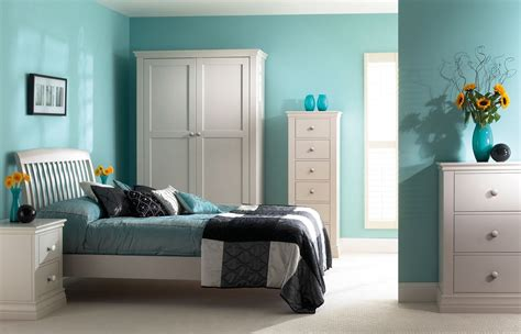 bedroom color schemes 25 cool paint colors make your room seem trendy 14231