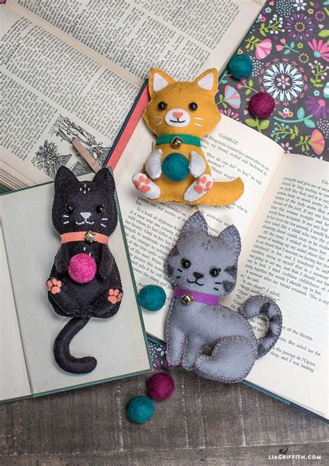 diy felt craft kittens felt crafts diy felt toys felt
