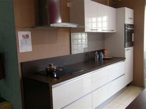 cr馘ence cuisine blanche awesome amazing charmant couleur mur avec carrelage gris clair quelle peinture pour