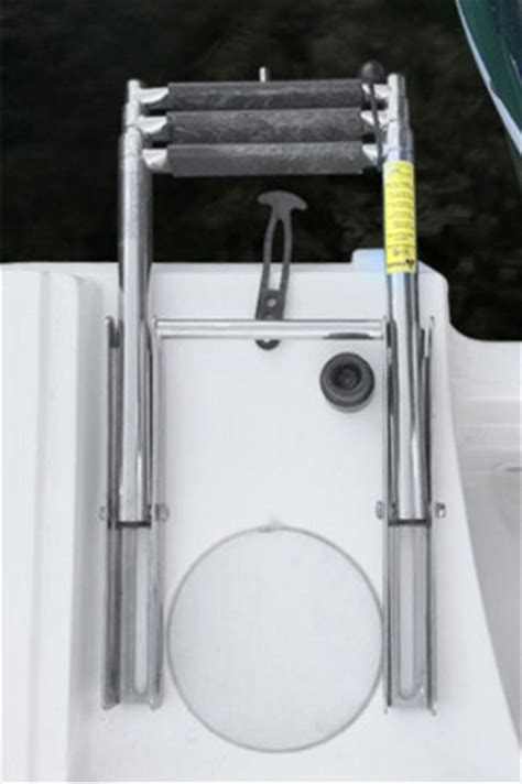 Boston Whaler Boat Ladder by Boston Whaler 250 Outrage 2016 2016 Reviews Performance