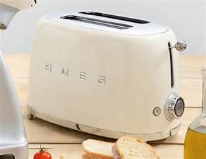 Toaster Retro Design : smeg s toaster is 100 retro glory yanko design ~ Frokenaadalensverden.com Haus und Dekorationen
