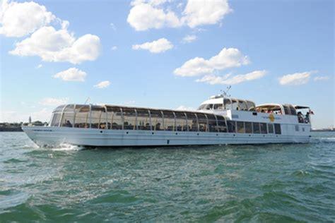 Bateau Mouche Quebec City by Activities Montr 233 Al Cruise Quebec Canada New England