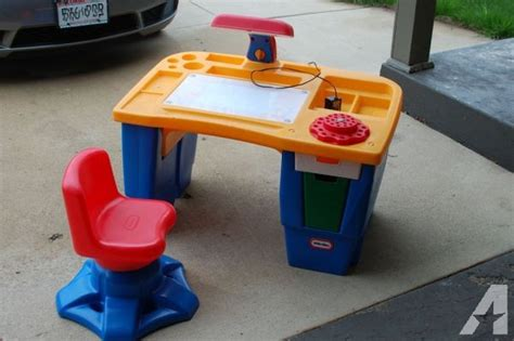 Little Tikes Art Desk  (franklin) For Sale In Milwaukee. Monarch Specialties L Shaped Desk. Pink Table Runner. Cheap Console Tables. Standing Vs Sitting Desk. True Prep Table. Bionaire Desk Fan. Small Decorative Tables. 6 Drawer Tall Dresser For Sale