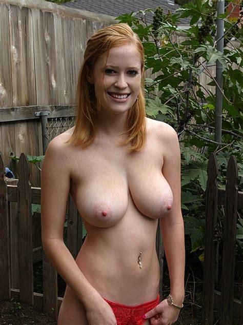 Smiling Topless Porn Photo Eporner