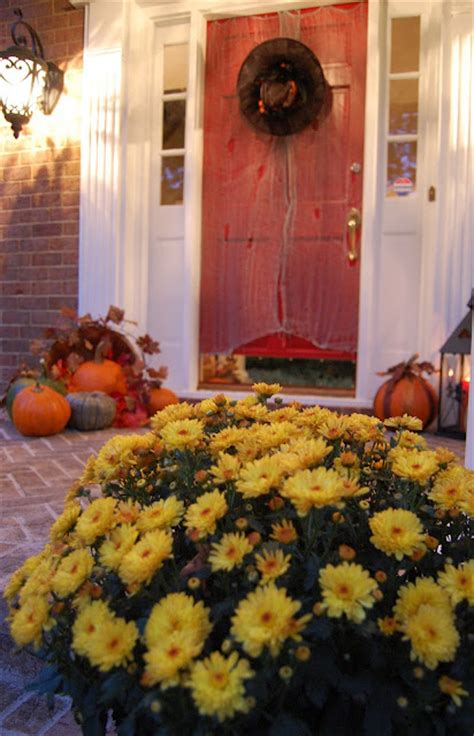 front porch decorated  halloween