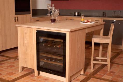cave a vin sous plan de travail collection estives cuisines contemporaines en bois massif huil 233 ecologie design