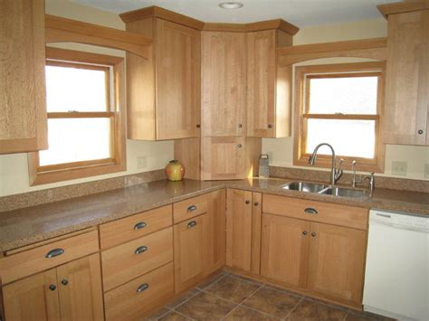 quarter sawn kitchen cabinets light quarter sawn oak cabinetry traditional kitchen