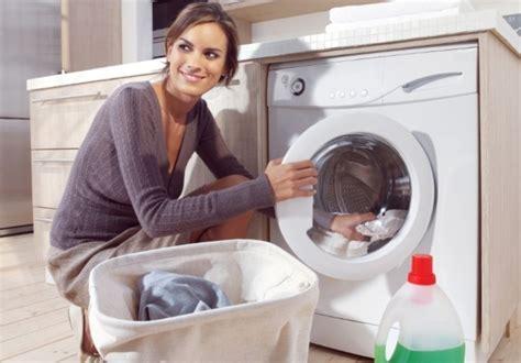 laver a la linge faut il laver le linge de b 233 b 233 s 233 par 233 ment dr 244 les de mums