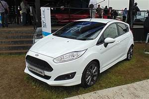 Ford Fiesta St Line Moteur : ford reveals st line fiesta focus and mondeo at goodwood auto express ~ Maxctalentgroup.com Avis de Voitures