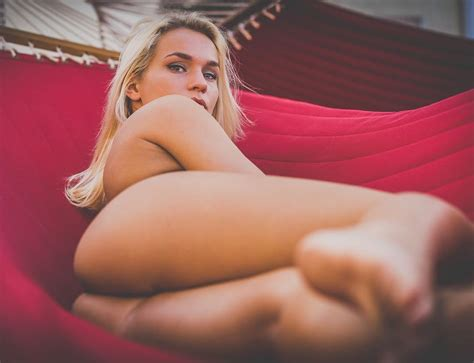 Zoie Burgher Sexy Pics Sexy Youtubers
