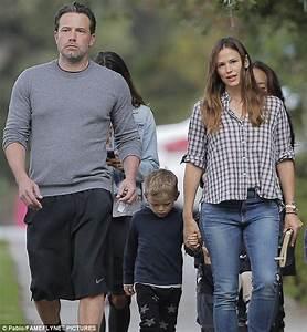 Ben Affleck and Jennifer Garner reunite to take son Samuel ...