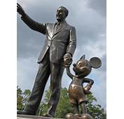 Funny Celebrity Statues 20 Pics  Izismilecom