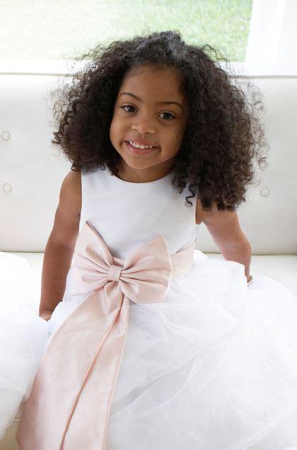 Coiffures de mariage pour petite fille - Lu0026#39;Express Styles