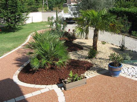 decoration parterre avec galets parterre avec cailloux la galerie photos les jardins de bastide paysagiste cr 233 ation et
