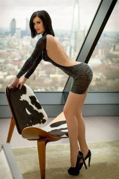 Hot Brunette Сексуальные ноги Самые сексуальные женщины